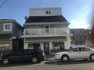 Wildwood NJ Laundromat & 4 Bedroom Apt. Main Image #1