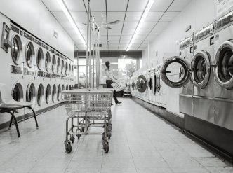 Coin-operated Laundromat Main Image #1