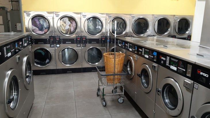 ~2,700 SF - Laundromat for Sale in Los Angeles, California