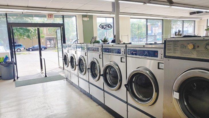 $100k/yr Owner-Operator Laundry Opportunity in Evanston Main Image #2